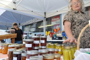 Summer may be coming to an end, but the farmer's market in Hawthorne isn't ready to close up shop.