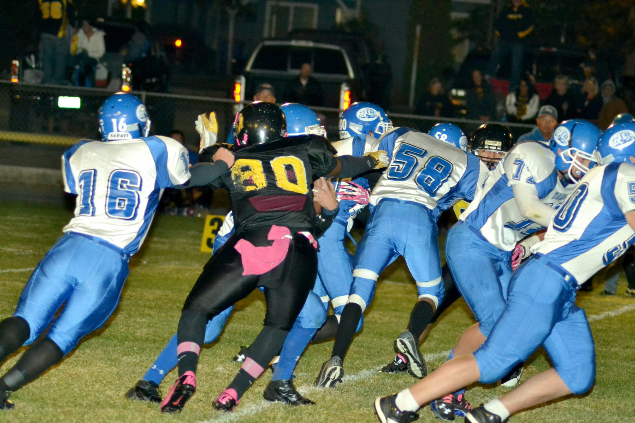 Serpents tame Bulldogs, improve to 5-1