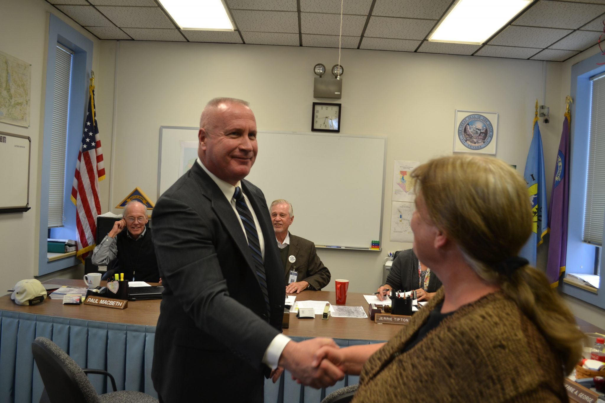 Board offers Mineral County Sheriff's badge to Handte