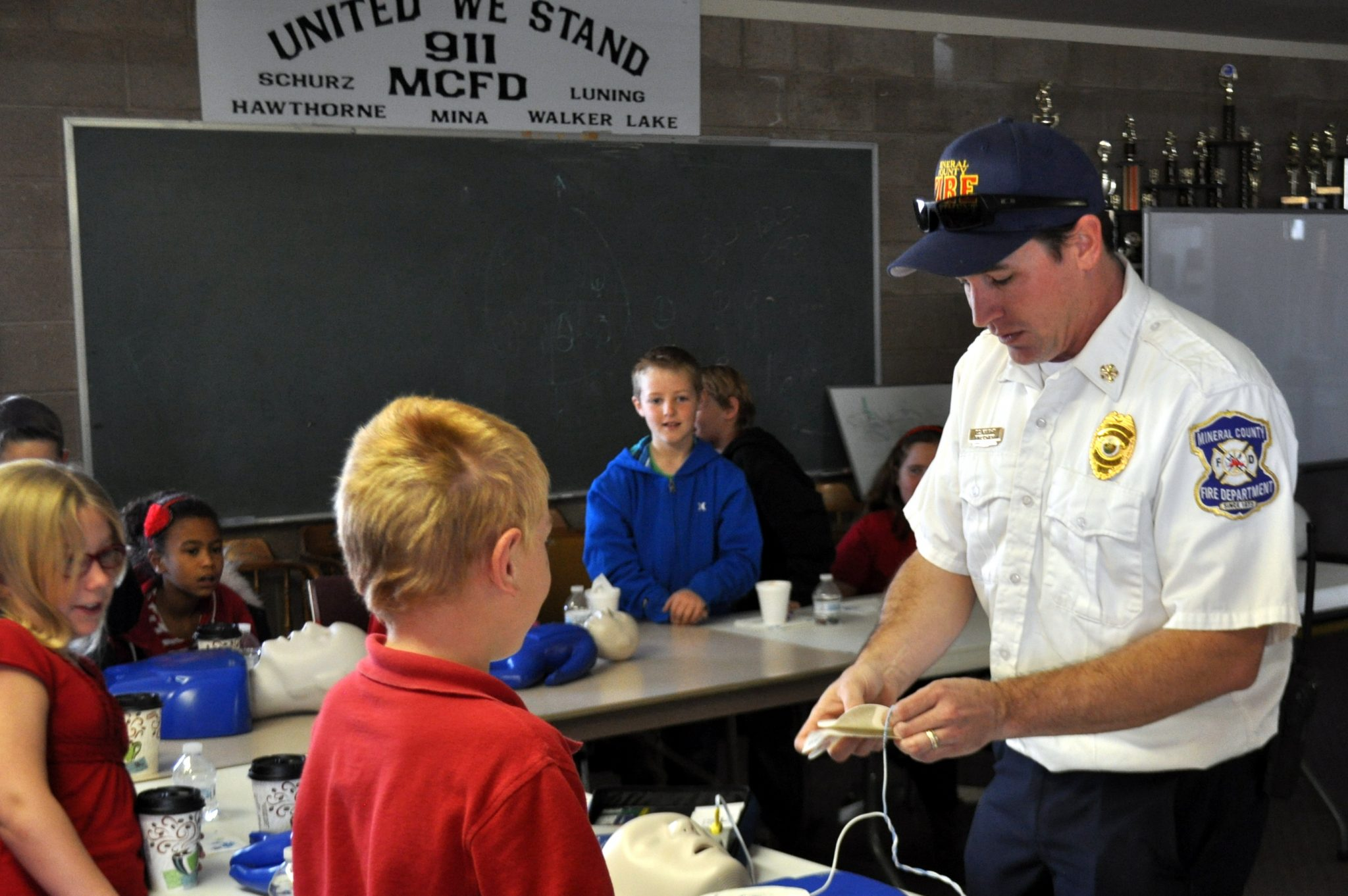 Local students learn skills from emergency leaders
