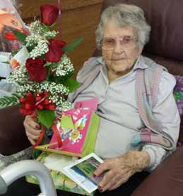 Hawthorne's Howell celebrates 103rd birthday with loved ones