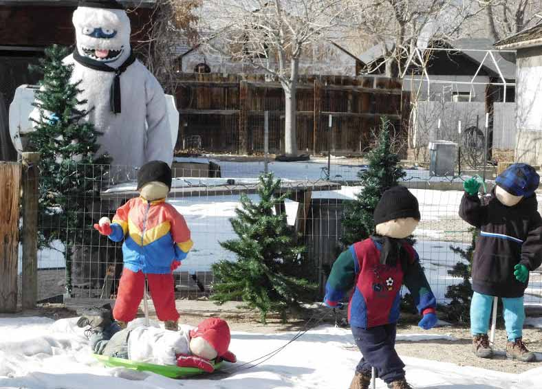 Winter display comes to life in Hawthorne neighborhood