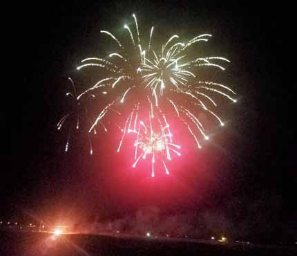 Annual Fireworks Convention Lights up Skies in Hawthorne