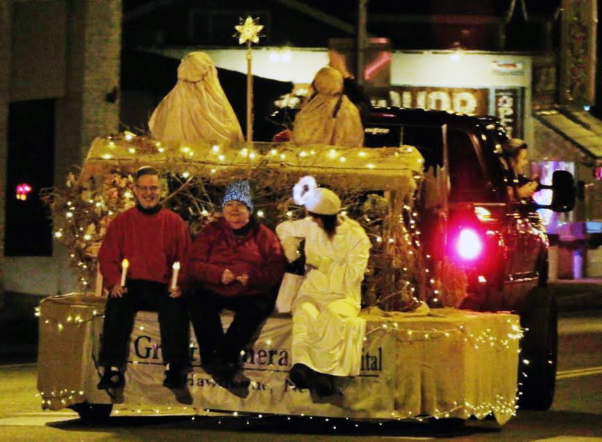 Christmas Arrives in Hawthorne with Parade of Lights