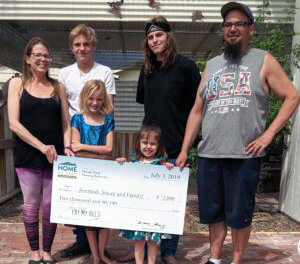 Mina Family Wins Prize Money from Rural Housing Authority